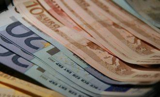 «Μπαράζ» πληρωμών για δώρο Πάσχα, συντάξεις και επιδόματα την Μ. Εβδομάδα