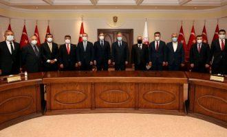 Die Welt: Το «μακρύ χέρι» του Ερντογάν στη Γερμανία δεν κρύβεται