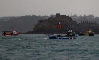 Τι βρίσκεται πίσω από τη γαλλοβρετανική διένεξη για τα αλιευτικά δικαιώματα στο Τζέρσεϊ