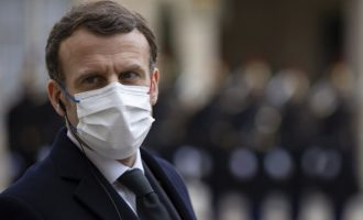 Ποιοι θα κάνουν τρίτη δόση εμβολίου στη Γαλλία – Τι είπε ο Μακρόν