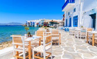 Βρετανία: Eκτός «πράσινης» ταξιδιωτικής λίστας η Ελλάδα – Στην «κόκκινη» η Τουρκία