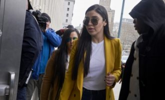 H γυναίκα του βαρώνου Ελ Τσάπο δήλωσε ένοχη σε τρεις κατηγορίες διακίνησης ναρκωτικών