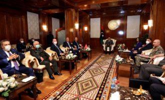Ο Ερντογάν έστειλε τη συμμορία του να «τραμπουκίσουν» τους Λίβυους