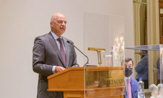 Νίκος Δένδιας: «Η μετά-COVID ανάκαμψη θα πρέπει να είναι συνώνυμη της συνεργασίας και της αλληλεγγύης»