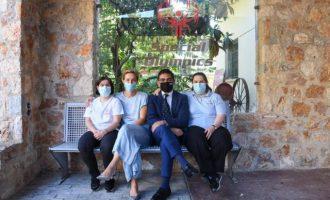 Σταμάτης και Σδούκου υπέγραψαν την αίτηση εθελοντή των Special Olympics Hellas