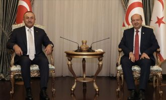 Τσαβούσογλου: Αρέσει δεν αρέσει, υπάρχουν δύο κράτη στην Κύπρο