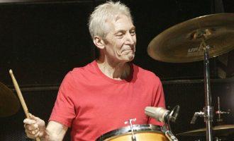 Πέθανε ο ντράμερ των Rolling Stones Τσάρλι Γουότς σε ηλικία 80 ετών