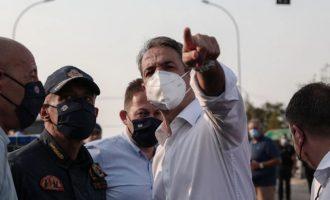 Ο Μητσοτάκης μεταβαίνει στην Ηλεία και στέλνει τον στρατό στις φωτιές