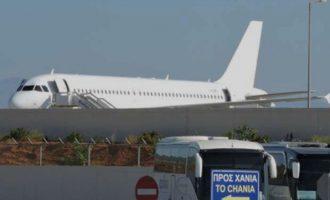 Χανιά: Δύο γυναίκες αρνούνταν να φορέσουν μάσκα και τις κατέβασαν από το αεροπλάνο