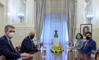 Ο Νίκος Δένδιας συναντήθηκε με τον πρεσβευτή των Ηνωμένων Αραβικών Εμιράτων