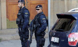 Ιταλία: Έφοδοι της Aστυνομίας σε σπίτια αντιεμβολιαστών που αυτοαποκαλούνται «μαχητές»